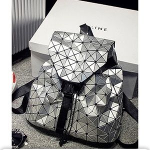 Handbags - 🆕  Metallic Silver Lg Geometric Backpack purse